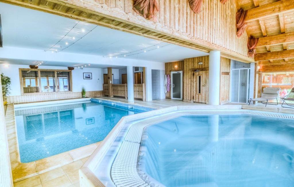Gite de groupe savoie chalet 40 personnes avec piscine for Gite de groupe avec piscine couverte