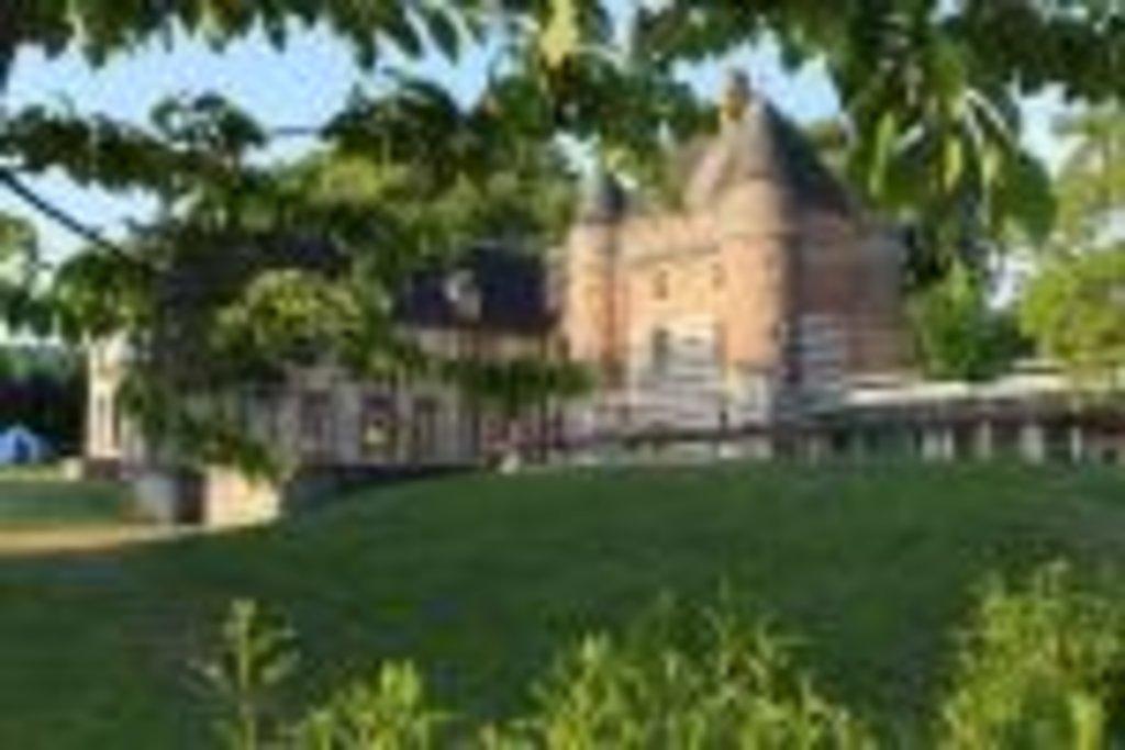 Le corps de ferme datant de 1730 est totalement dédié aux hébergements, il a une capacité daccueil de 41 couchages.